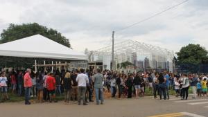 Moradores cobram conclusão de obra em Praça de Esportes de Goiânia