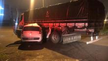 Caminhoneiro embriagado causa acidente na BR 060