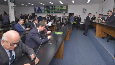 Líder do Governo pede vistas do ProGoiás na Comissão Mista