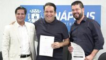 Prefeitura de Anápolis celebra contrato para zerar fila de cirurgias oftalmológicas