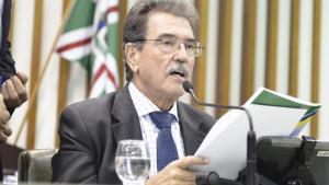 Júlio da Retífica oficializa retorno ao PSDB