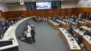 Deputados aprovam em primeira votação Lei de Diretrizes Orçamentárias para 2016