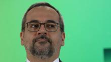 Com rumores de demissão, defensores sobem tag para que Weintraub fique no MEC
