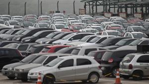 Número de furtos e roubos de veículos diminui em Goiás