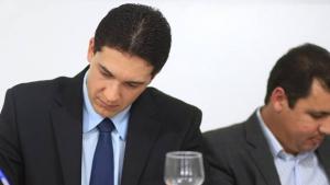 Prefeito de Alexânia é acusado de reagir com autoritarismo a processo de cassação