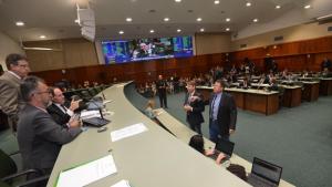 Projeto que prevê uso de depósitos judiciais é aprovado em primeira votação