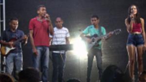 Banda formada por pessoas com deficiência visual canta músicas autorais no sertão