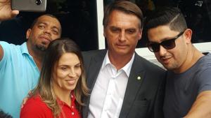 Em Goiás, Bolsonaro diz que sofrerá metamorfose para atrair todo eleitorado brasileiro