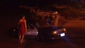 Bombeiros resgatam carro submerso em pleno Rio Araguaia