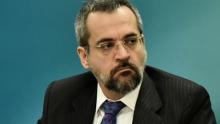 MEC deixa de investir e pode perder R$1 bilhão para Ensino Básico