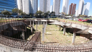 Mesmo com demolição, secretário afirma que Casa de Vidro ficará 40% mais barata
