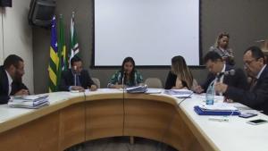 CCJ rejeita discutir projeto de Iris que anistia multas a grandes devedores