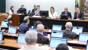 Reforma política que acaba com coligações proporcionais avança na Câmara