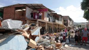 Equador diz que terremoto de sábado matou 587 pessoas