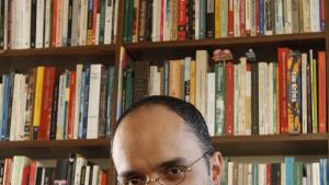 """Caetano Galindo lança livro para explicar o romance """"Ulysses"""", de James Joyce"""