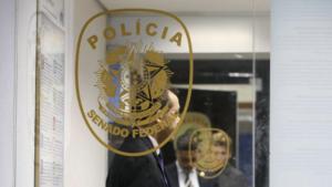 PF solta três dos quatro policiais legislativos presos durante a Operação Métis