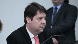 Em reunião com Ernesto Roller, Karlos Cabral teria sido definido novo líder do governo na Assembleia