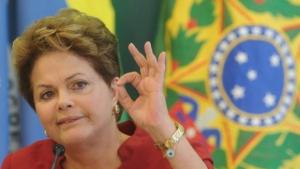Na Câmara, pedido de impeachment acusa Dilma de implantar chip na cabeça de cidadão