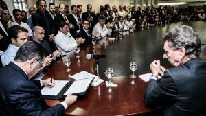 Marconi assina contratos para a instalação de 11 empresas em Goiás