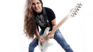 Workshop de guitarra com Edu Ardanuy no CCUFG