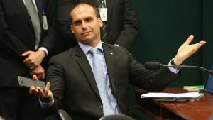 """Para Eduardo Bolsonaro, quem é a favor do """"maravilhoso"""" DPVAT deveria pagar o dobro"""