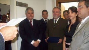 Secretário diz que Alcides Rodrigues não cumpria data-base e o deputado Roller não reclamava