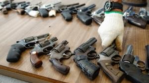 Relator entrega à CCJ voto favorável à liberação do porte de armas