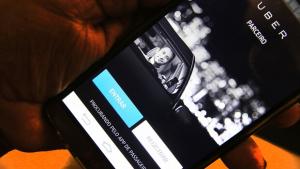 Vereador apresenta projeto que proíbe Uber em Goiânia