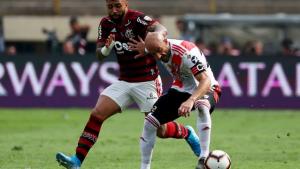 Em primeiro tempo da final da Libertadores, River domina o jogo