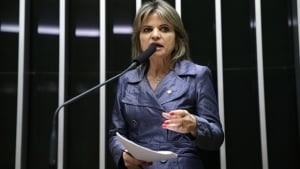 Áudio que seria da deputada Flávia Morais confirma voto a favor do impeachment
