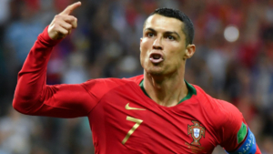Cristiano Ronaldo faz três gols e empata contra Espanha em jogo acirrado