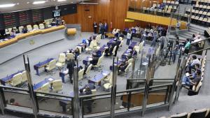 Suplentes de vereadores de Goiânia articulam adiar votação da mesa diretora