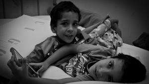 Gêmeo siamês Heitor apresenta melhora, mas estado de saúde ainda é grave
