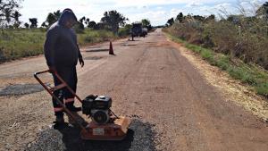 Rodovias de acesso às praias do Tocantins recebem serviços de manutenção