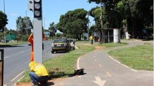 Detran troca semáforos por totens com luz de LED no Guará