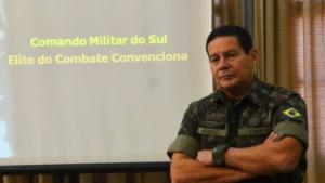 """General da ativa sugere que Exército pode intervir para """"limpar"""" a democracia"""