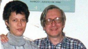 """""""Amo meu pai, mas não posso aceitar o que ele faz"""", diz filha de Olavo de Carvalho"""