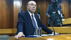 Em sabatina maçante, Henrique Meirelles foge de associação ao governo Temer