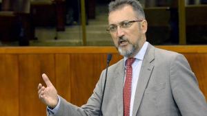 """Deputado reeleito, Humberto Aidar diz que """"Brasil merecia 2º turno melhor"""""""