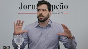 Para cientista político, PSDB precisa sair de cima do muro e se posicionar