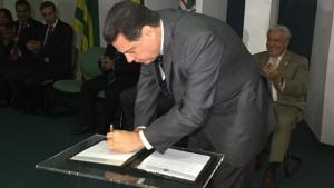 Marconi sanciona Estatuto da Micro e Pequena Empresa em Goiás