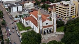 Justiça adia audiência de bispo e padres acusados de desviar dinheiro de fiéis em Formosa