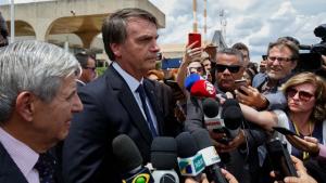 """""""Tudo o MP se mete. Algumas vezes com razão, outra não"""", diz Bolsonaro"""
