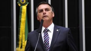 Força de Bolsonaro na internet será suficiente para vencer eleição?