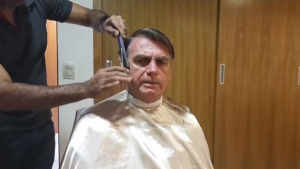 Bolsonaro usa morte para atacar os que considera adversários com mentiras e agressões à história e dor de familiares