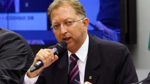 João Campos define como especulações críticas a relatório que poderia impedir Lava Jato