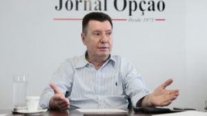 """Querem entregar para multinacionais e quebrar estatais do país"", diz Nelto sobre Marco do Saneamento"