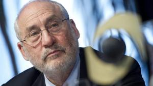 O Prêmio Nobel Joseph Stiglitz sugere que Portugal saia do euro para recuperar sua economia