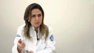 Médica goiana está avaliando saúde de Jair Bolsonaro
