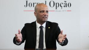 Vitor Hugo nega pré-candidatura para prefeito de Anápolis